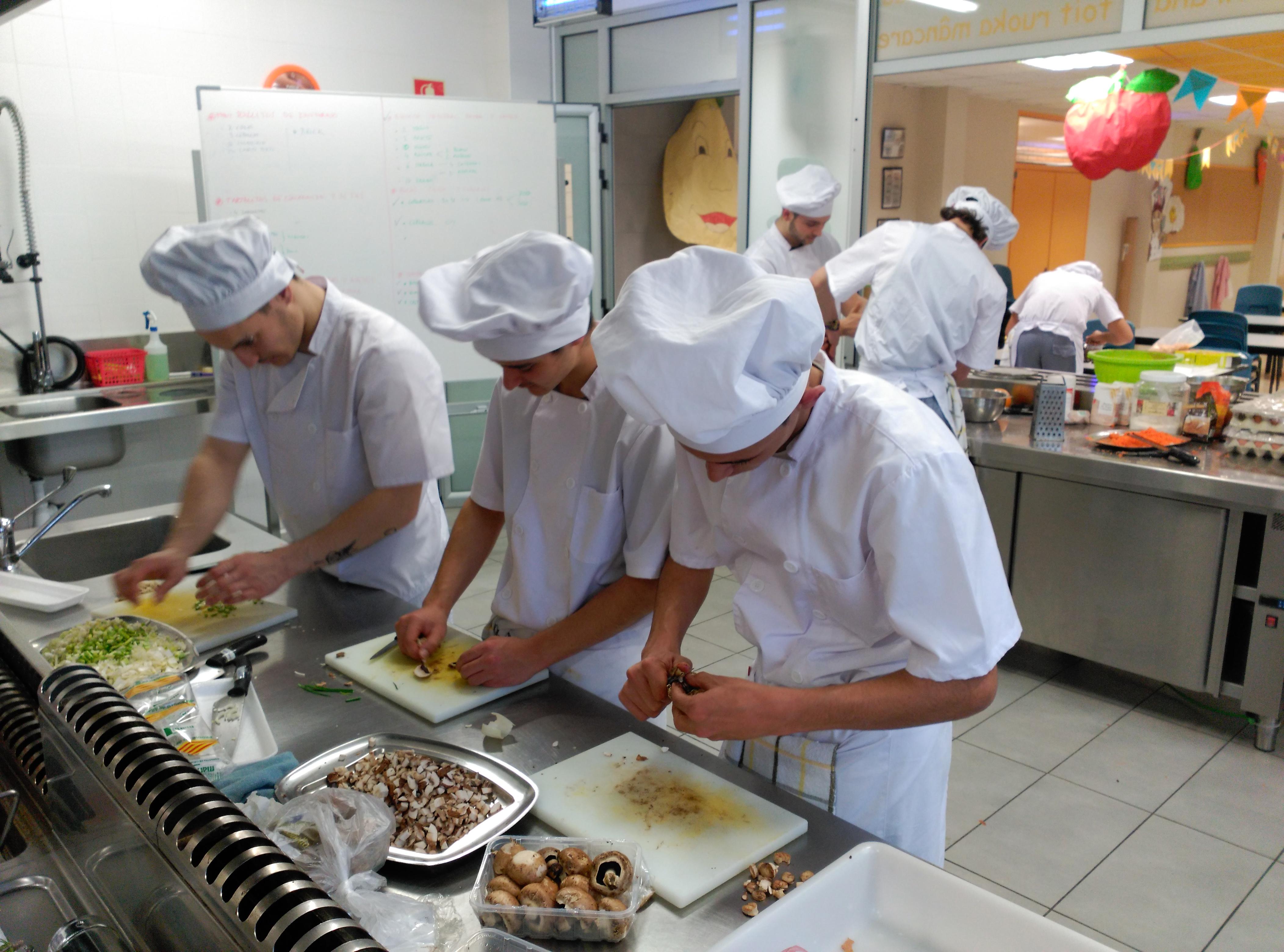 Este mes comienza un nuevo curso del programa de cualificaci n espec fica de ayudante de cocina - Curso de ayudante de cocina ...